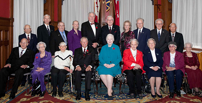 The recipients of the Senior Achievement Awards with the Honourable Elizabeth Dowdeswell, Lieutenant Governor of Ontario (front row, centre right), and the Honourable Mario Sergio, Minister Responsible for Seniors Affairs (front row, centre left).